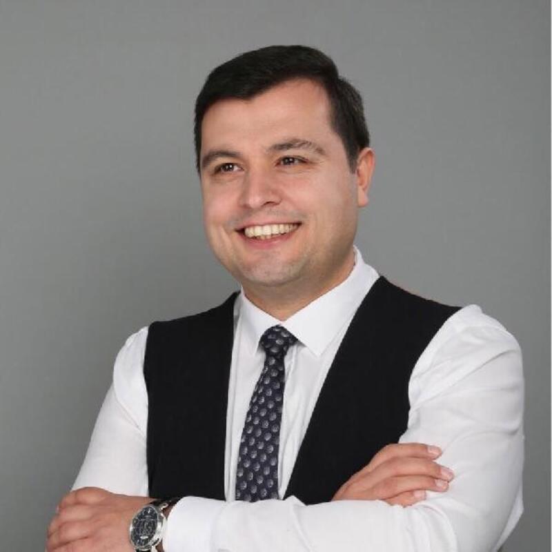 Uşak'ta AK Parti'li Çakın kazandı