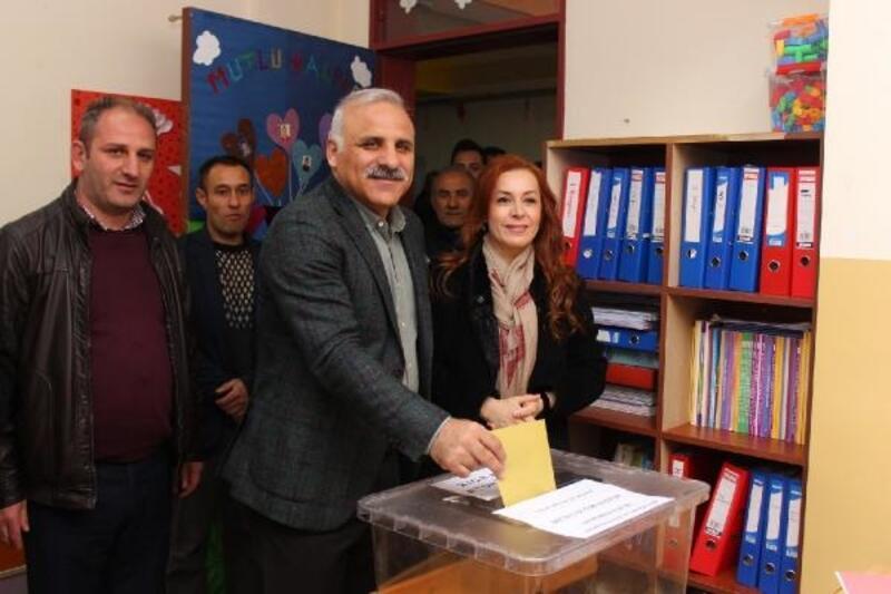 Trabzon'da Cumhur İttifakı'nın AK Parti'li adayı Zorluoğlu kazandı