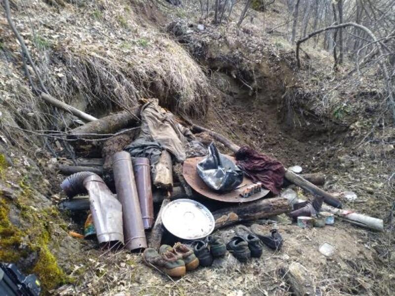 Karakoçan'da PKK'lı teröristlere ait malzemeler ele geçti