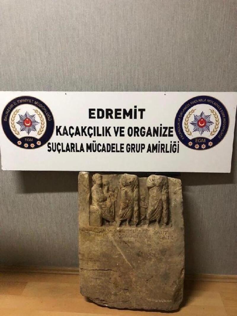 Balıkesir'de 2 bin yıllık heykel ele geçirildi; 4 gözaltı
