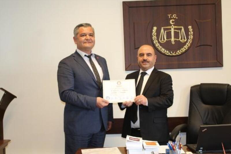 Ermenek Belediye Başkanı, mazbatasını aldı