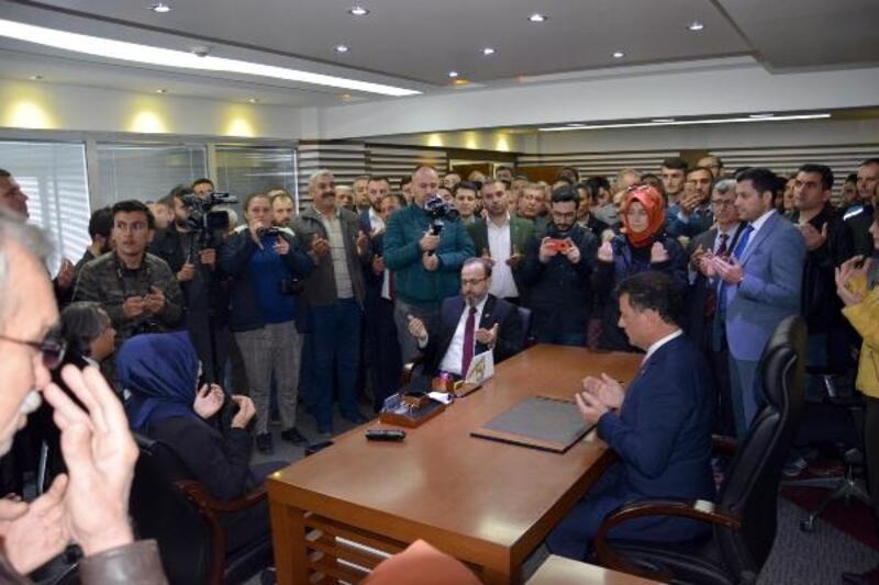 Kapaklı'nın AK Parti'li başkanı mazbatasını aldı