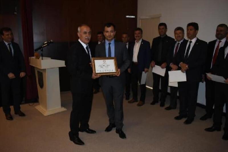 Yenişehir'de Başkan Aydın mazbatasını aldı