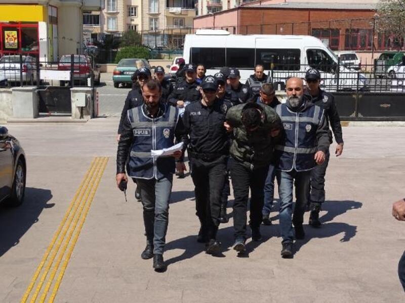 Edremit'te 4 kişilik hırsızlık şebekesi yakalandı