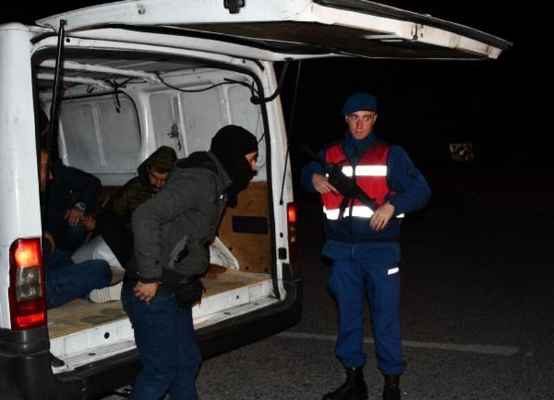 Tekirdağ'da bir gecede 700 kaçak göçmen yakalandı
