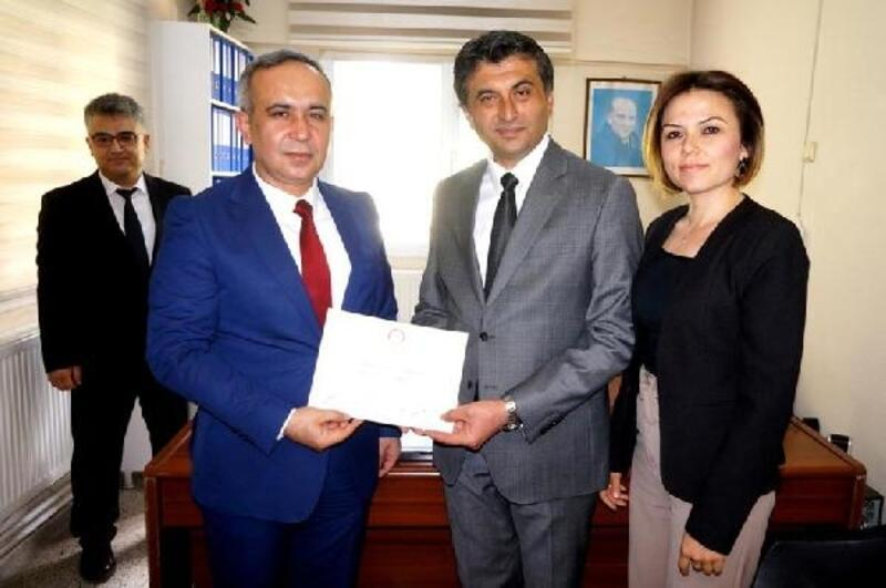 Sarıgöl Belediye Başkanı Selçuk, mazbata aldı