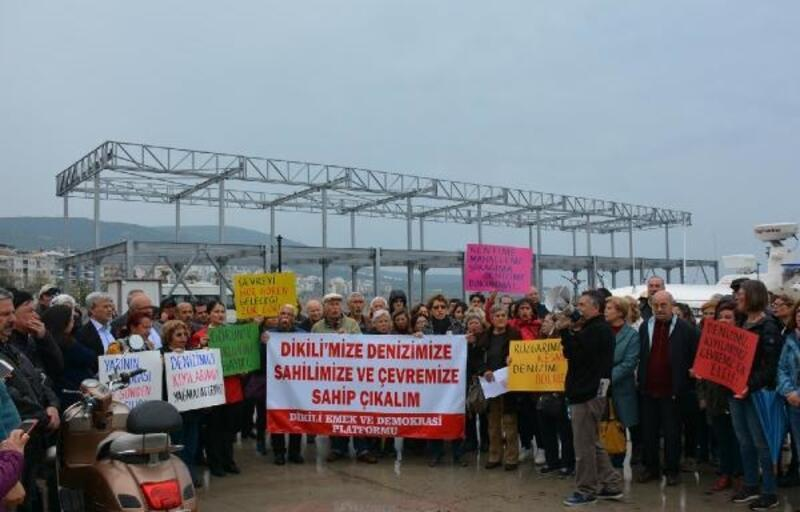 Dikili Küçük Liman'daki inşaat için basın açıklaması