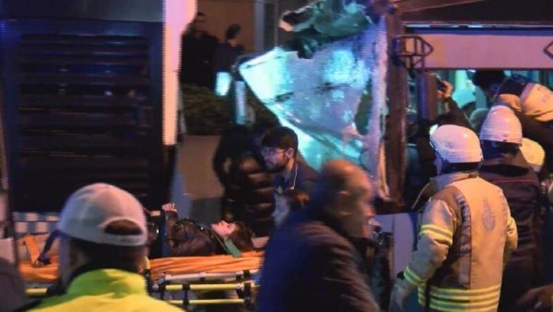 Şişli'de halk otobüsü kaza yaptı, yaralılar var