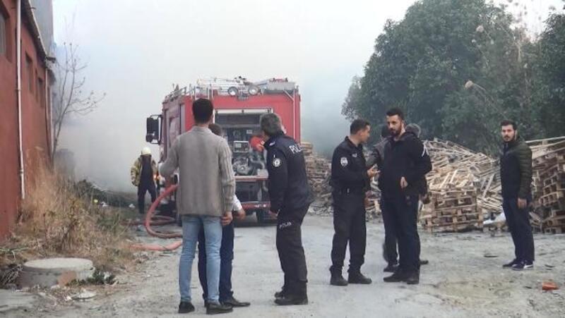 Esenyrut'ta fabrika bahçesindeki konteynerde yangın