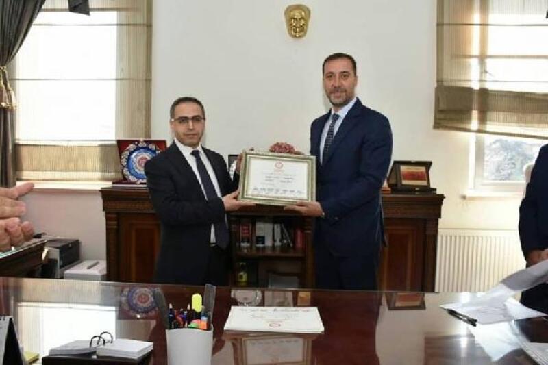 İstanbul'un tek MHP'li belediye başkanı mazbatasını aldı