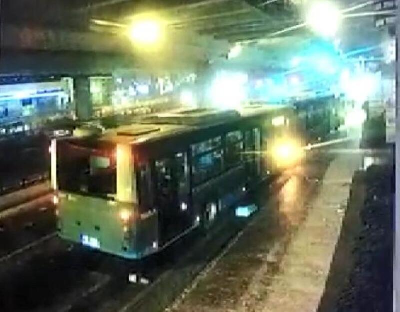 Şişli'deki otobüs kazası güvenlik kamerasında