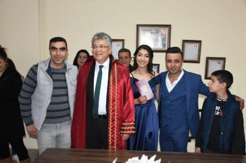 Edremit Belediye Başkanı Arslan, ilk nikahını kıydı