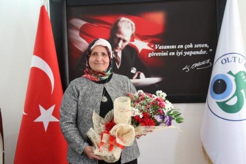 Oltu'nun ilk kadın Belediye Meclis Üyesi seçildi