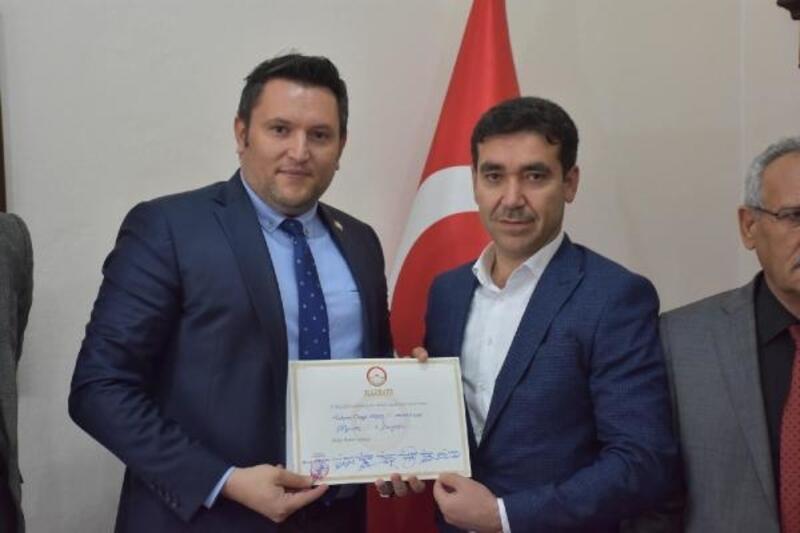 Dargeçit Belediye Başkanı AK Parti'li Aksoy göreve başladı