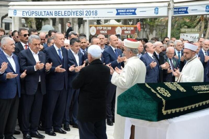 Cumhurbaşkanı Erdoğan, Hayati Yazıcı'nın babasının cenazesine katıldı