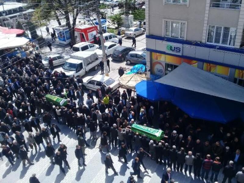 Bursa'da kazada ölen iki kardeş toprağa verildi