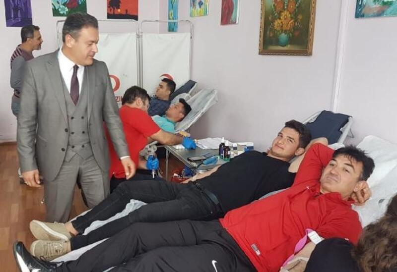 Mehmet Orhun Anadolu Lisesi'nden örnek davranış