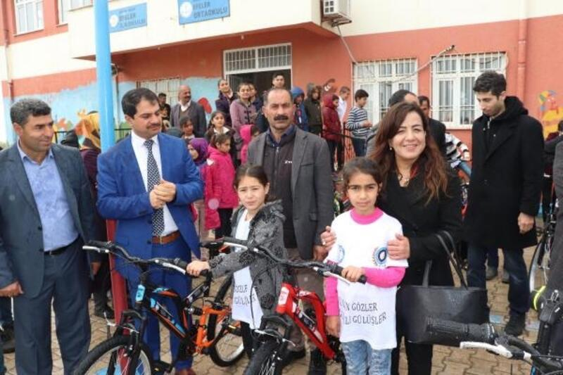 Midyatlı öğrencilere bisiklet ve satranç