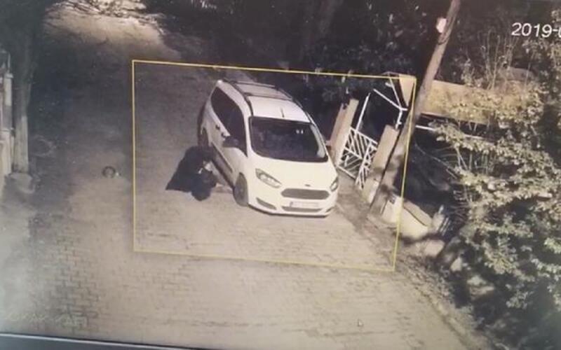 Silivri'de park halindeki aracı böyle kundakladı