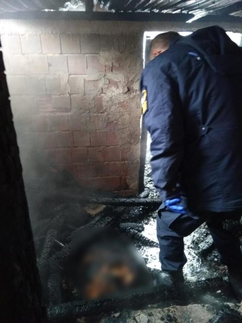 Ahırda çıkan yangına müdahale etmek isteyen yaşlı kadın öldü