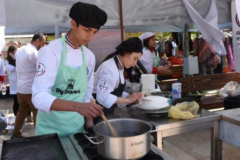 Gastronomi öğrencileri festivalde yarıştı