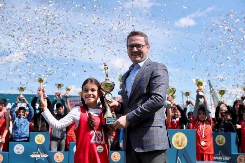 Başakşehir Spor Ligi'nde ödüller sahiplerini buldu