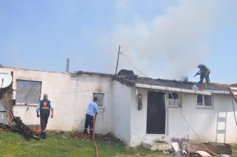 Malkara'da yanan ev kullanılmaz hale geldi