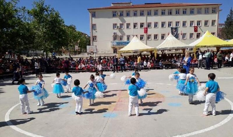 Nurdağı'nda 23 Nisan kutlaması