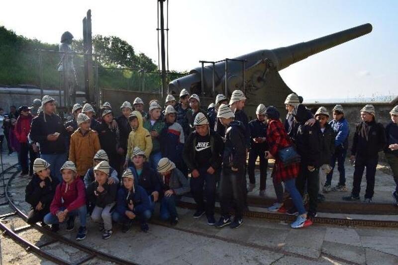 İzmir Emniyeti Müdürlüğü'nden çocuklar için İstanbul ve Çanakkale gezisi