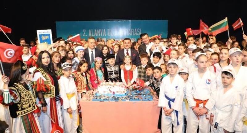 Alanya'da 23 Nisan coşkusu