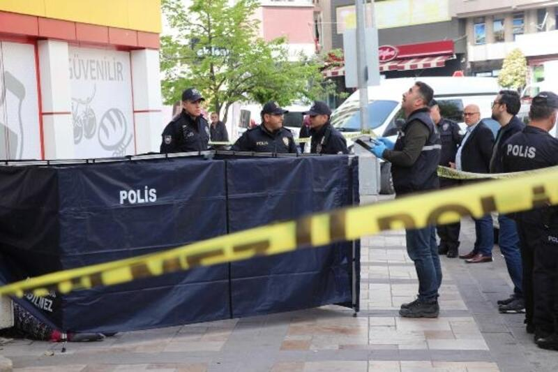 3'üncü kat penceresinden atlayan kadın öldü