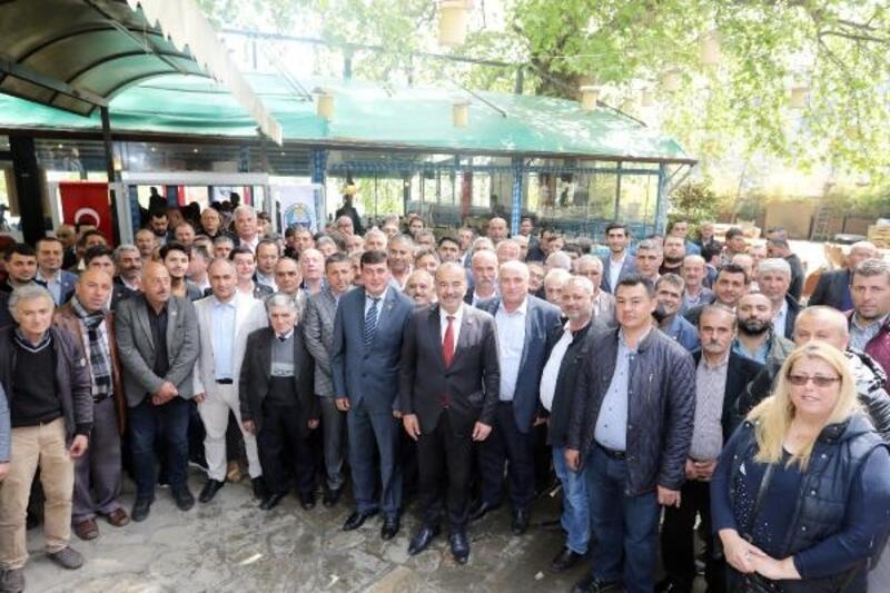 Başkan Türkyılmaz, muhtarlarla bir araya geldi
