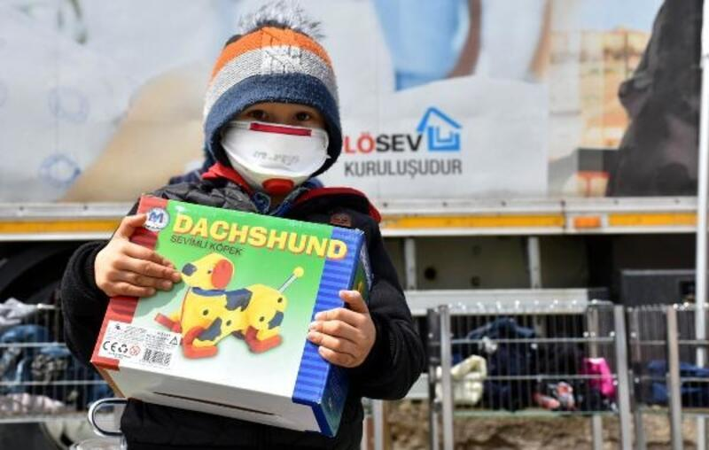 LÖSEV'den Sivas'ta 50 aileye yardım