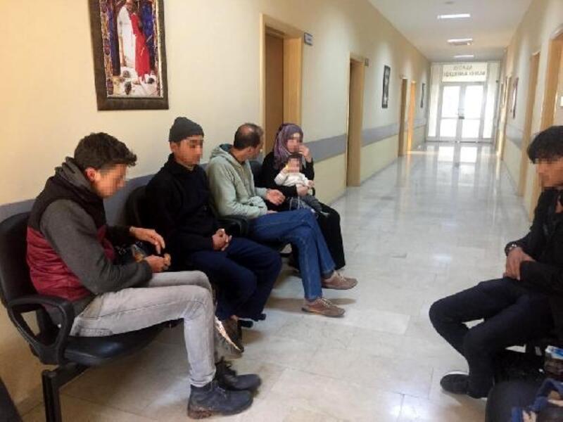 Kırıkhan'da 8 Suriyeli yakalandı