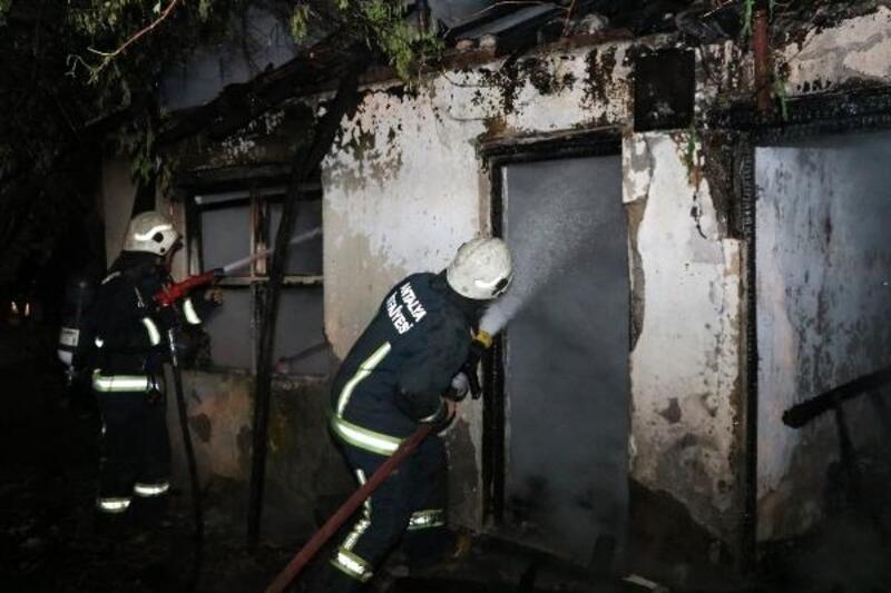 Evi yanan yaşlı adam, yangını akrabalarının çıkardığını öne sürdü