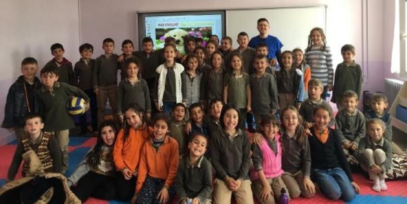 Kırklareli'de ilkokul öğrencileri hayvan sevgisi eğitimi