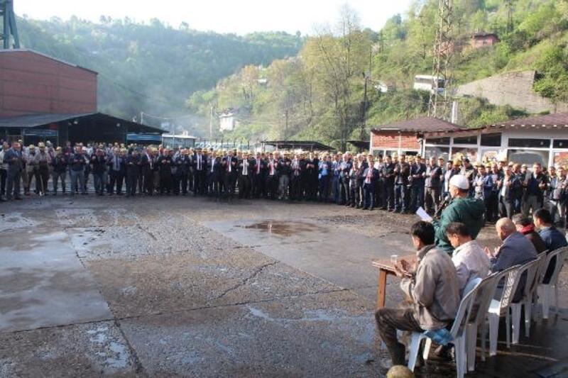 Madenciler, yeni üretim ayağı için kurban kesti