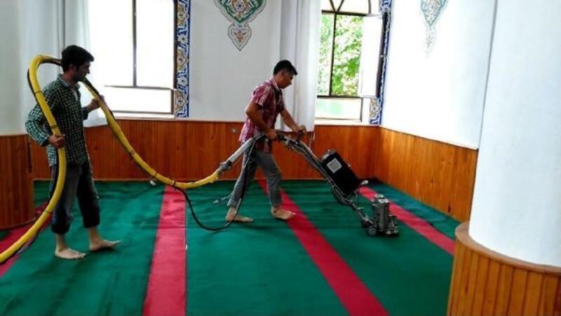 Ayvalık'ta 43 caminin temizliği yapıldı