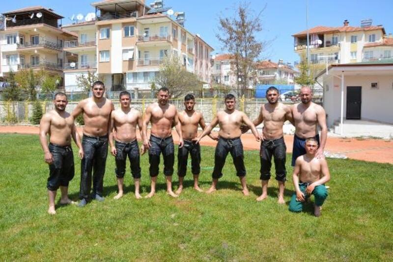 Korkutelili güreşçiler Kumluca'ya hazır