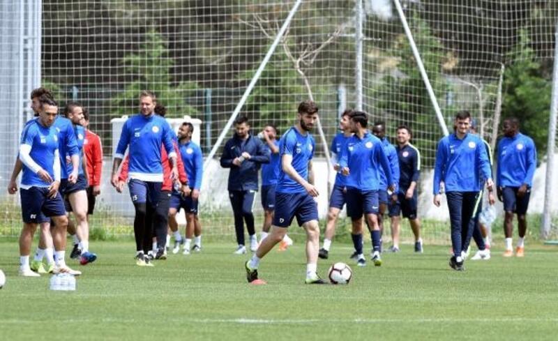 Antalyaspor Erzurumspor maçı taktiği çalıştı