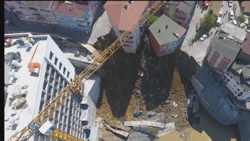 Kağıthane'de 4 katlı binanın çökme anının havadan fotoğrafları
