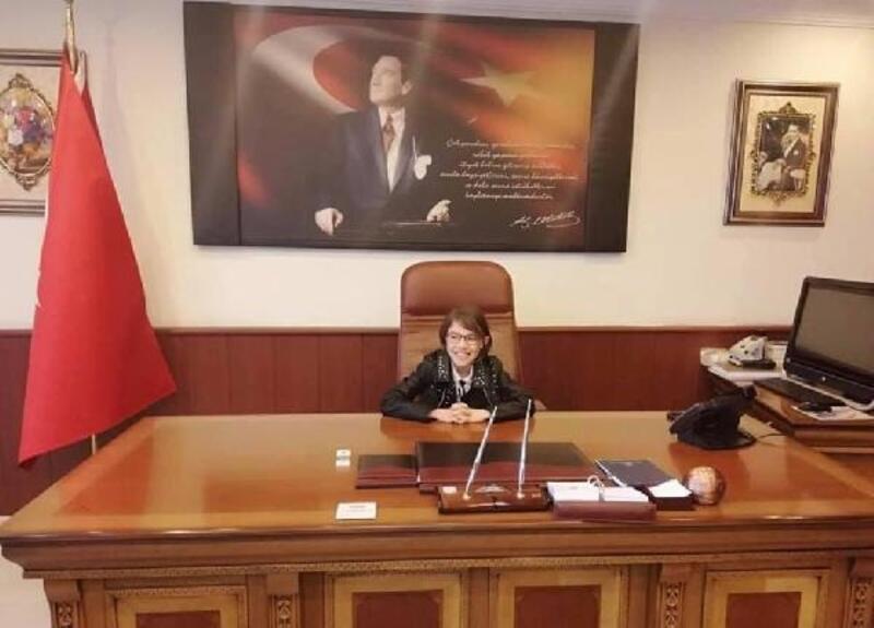 23 Nisan'da koltuğuna kızını oturtan kaymakam, vali yardımcısı oldu