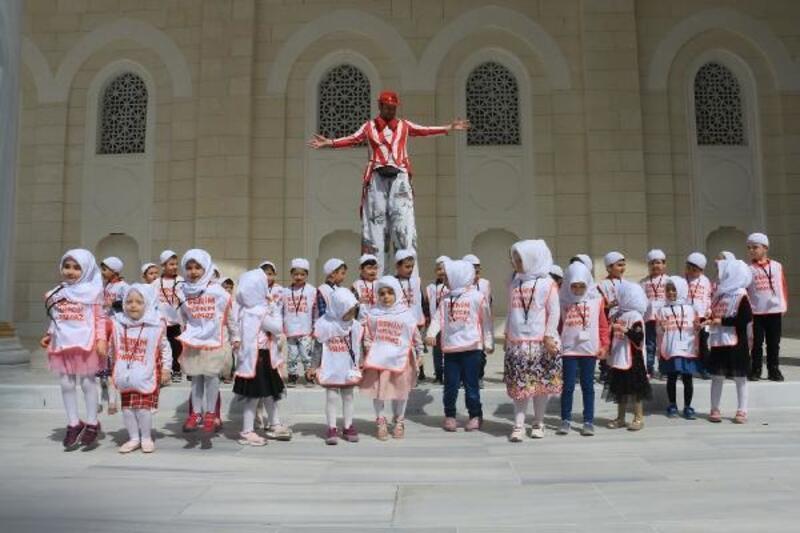 Ümraniyeli Çocuklar Büyük Çamlıca Camii'nde Buluştu