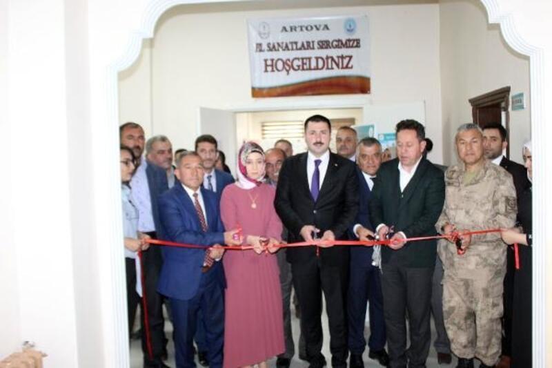 Artova'da el sanatları sergisi açıldı