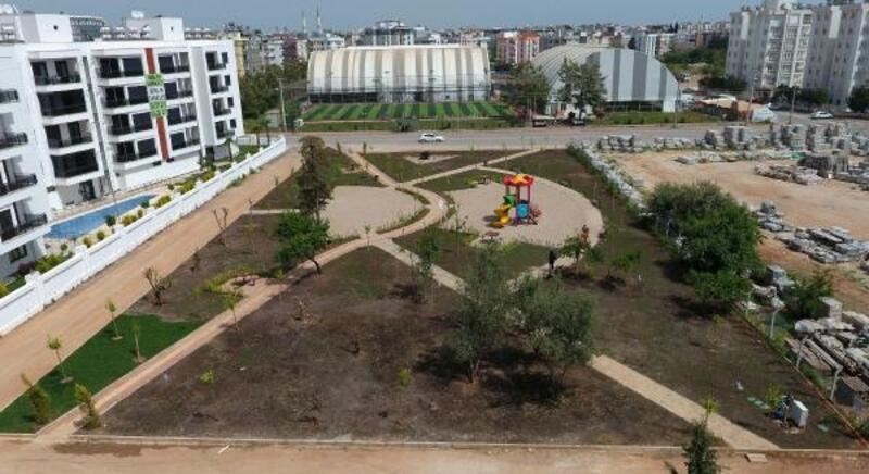 Kızıltoprak'ta yeni park çalışması
