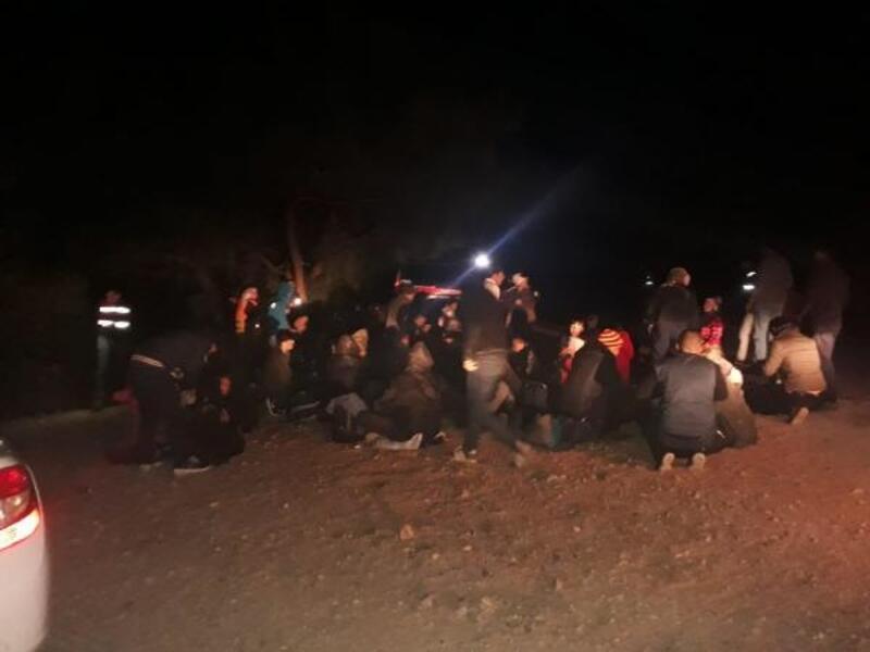 Ayvalık'ta 89 kaçak ile 5 organizatör yakalandı