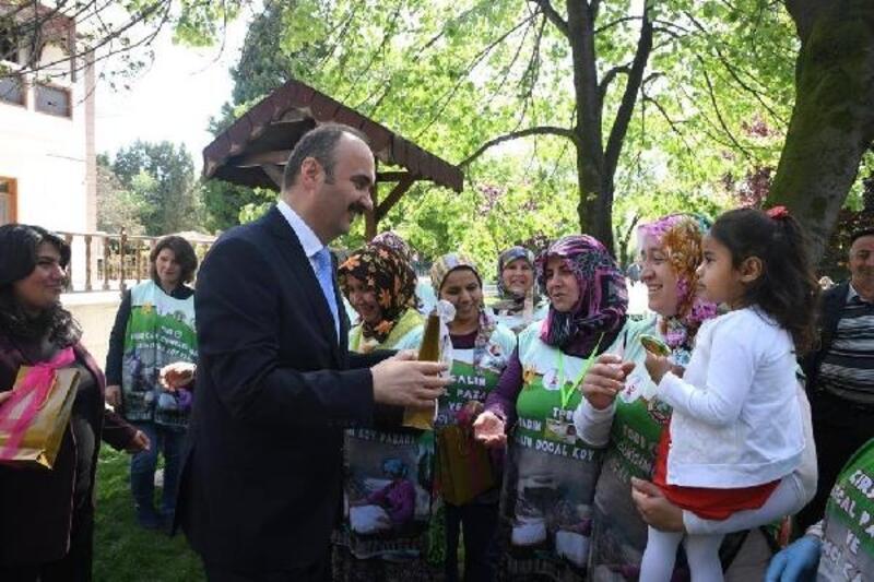 Edirne'de vali konağı çocuklarla şenlendi