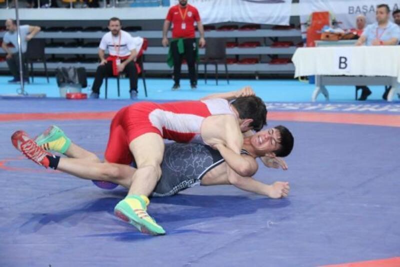 U15 Türkiye Küçük Yıldızlar Serbest Güreş Şampiyonası başladı