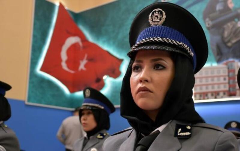 Sivas'ta, Afgan kadın polislerin mezuniyet heyecanı