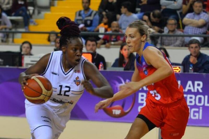 Kadınlar BSL'de ilk finalist Çukurova Basketbol